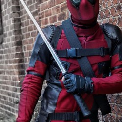 Deadpool 2 : Ryan Reynolds deadpool costume
